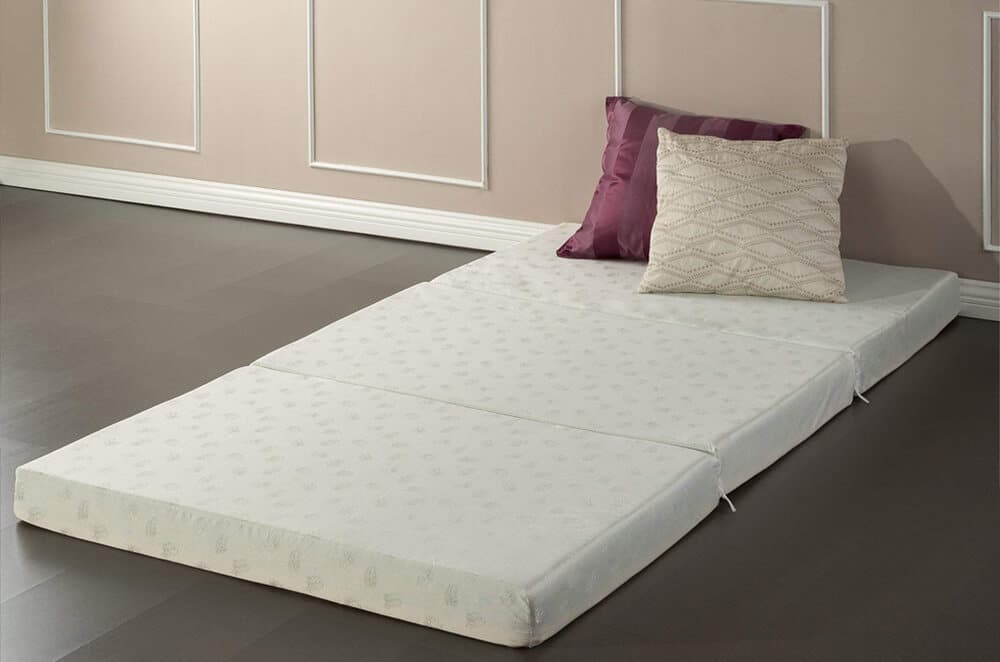 best folding memory foam mattress in 2018 a concise buying guide. Black Bedroom Furniture Sets. Home Design Ideas
